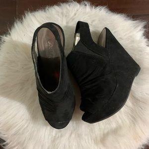 Black peep toe wedges